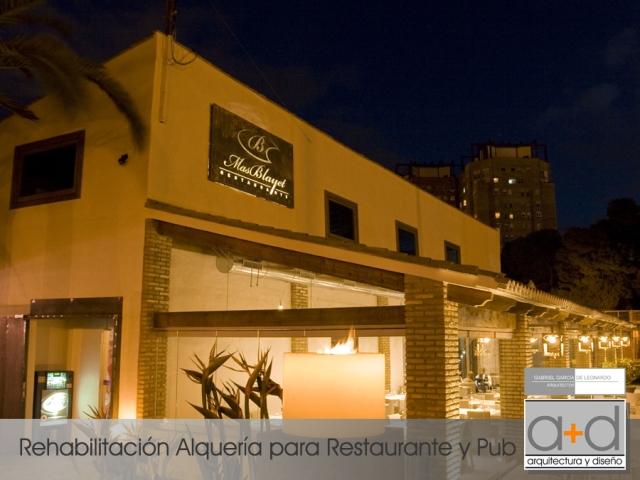 Rehabilitación Alquería para restaurante y pub